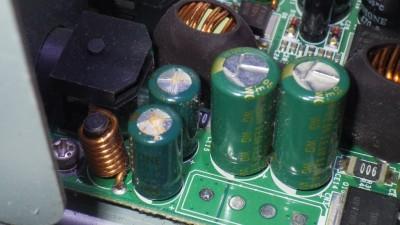 電解コンデンサの破裂